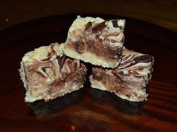 Creamy Banana and Semi-Sweet Chocolate Fudge